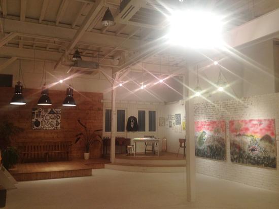 DISKAH-ART-SHOW-MO-ART-DEPO-TOKYO-debolbe-Studio-three-.jpg