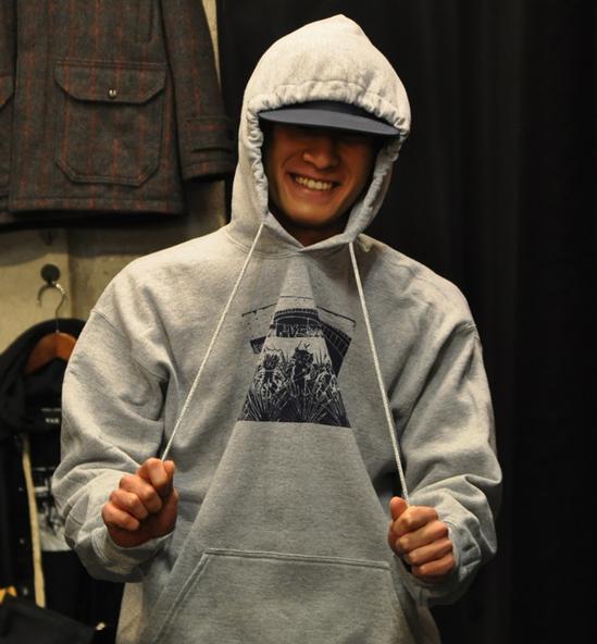neko-guso-hoodie-rah-yokohama-.jpg