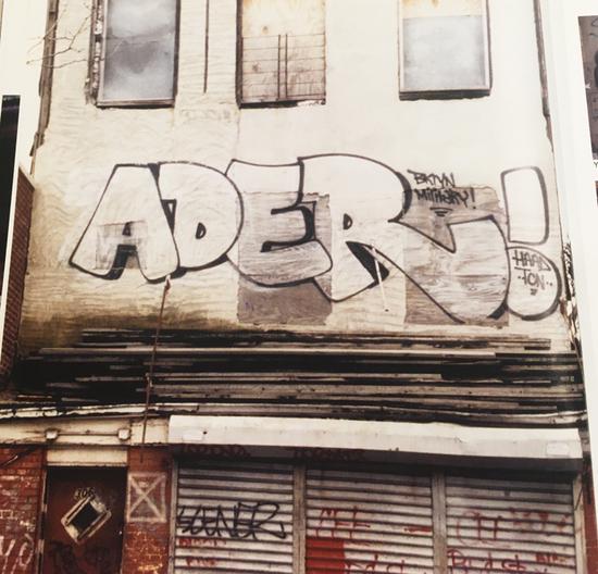 ADER-GRAFFITI-1996-SUPREME-QUALITY-BOOK-.jpg