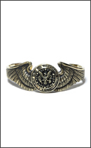 CALEE - CONCHO WING BANGLE -Gold-