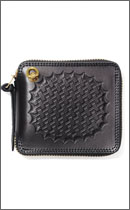 CALEE - EMBOSSING ROUND ZIP SHORT WALLET -Black-
